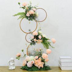 Masquerade Party Centerpieces, Flower Centerpieces, Birdcage Wedding Centerpieces, Decoration Evenementielle, Wedding Ceremony Flowers, Rose Wedding, Floral Hoops, Deco Floral, Flower Stands