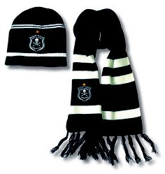 Orlando Pirates beanie scarf set Day And Mood, Winter Games, Happy People, Fathers Day Gifts, Orlando, Pirates, Competition, Beanie, Cold