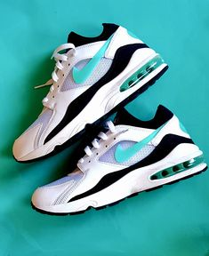 quality design b62af f375c A(z) 21 legjobb kép a(z) Sneakers táblán   Air max, Nike air max és ...