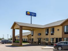 Ogallala (NE) Comfort Inn United States, North America Set in a prime location of Ogallala (NE), Comfort Inn puts everything the city has to offer just outside your doorstep. The property features a wide range of facilities to make your stay a pleasant experience. To be found at the hotel are 24-hour front desk, facilities for disabled guests, Wi-Fi in public areas, car park, newspapers. Each guestroom is elegantly furnished and equipped with handy amenities. The hotel offers ...