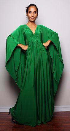 I love this green kaftan.