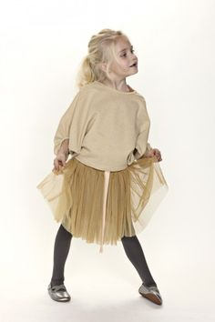 Sprout_by_gro_web_shop - Cream sweater, gold tulle skirt, black tights and strappy shoes