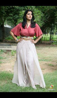 Most Beautiful Bollywood Actress, Bollywood Actress Hot Photos, Indian Bollywood Actress, Tamil Actress Photos, Bollywood Saree, Bollywood Actors, Bollywood Fashion, Indian Actress Hot Pics, Indian Actresses