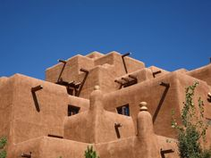 """Santa Fe-Style Homes : HGTV.   ~~Hey HGTV, this is NOT A """"home,"""" its the Inn at Loretto hotel!  Great place to stay, by the way, my husband and I love to do """"stay-cations"""" here."""