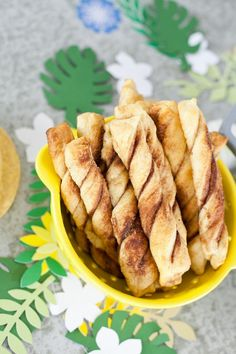 A Cinco De Mayo party and the easiest churro recipe ever! #healthyrecipes #healthyliving #healthylifestyle #healthylife
