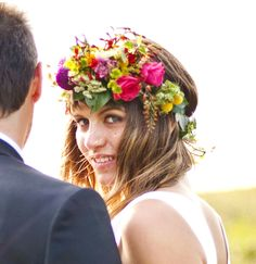 Bride's causal down wedding hairstyle with flower crown corona halo ♔