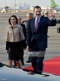Spanish King Felipe VI (R) and Queen Letizia (L) head for their car upon their arrival at Haneda Airport in Tokyo on April 4, 2017.The Spanish royal couple is here on a four-day state visit to Japan. / AFP PHOTO / Toru YAMANAKA        (Photo credit should read TORU YAMANAKA/AFP/Getty Images)