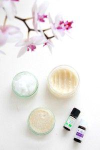 10 DIY beauty made from coconut oil Diy Beauty Care, Beauty Make Up, Beauty Hacks, Diy Beauté, Dyi, Homemade Beauty Recipes, Tips & Tricks, Healthy Beauty, Salon Design