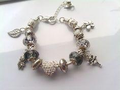 Bracciale con perle a foro largo in stile pandora Seguici su www.facebook.com/lecreazionidialec e scopri tutti i dettagli
