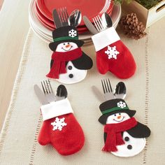 Christmas Ornament Crafts, Snowman Crafts, Christmas Sewing, Felt Ornaments, Christmas Projects, Felt Crafts, Holiday Crafts, Christmas Decorations, Simple Christmas