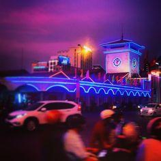 Marché de nuit à Saigon #Vietnam #Sunset