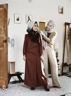 6bf01c760aa Hana Tajima and UNIQLO Fall Winter 2016 Muslim Fashion
