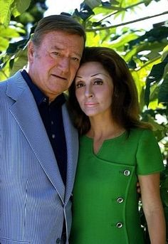 John Wayne and his wife, Pilar, at home, 1972 / John Wayne and Pilar Palette stayed together until they separated in 1976 and were still technically married at the time of his death in John Wayne Wife, John Wayne Quotes, John Wayne Movies, Hollywood Actor, Hollywood Stars, Classic Hollywood, Old Hollywood, Hollywood Celebrities, Famous Couples