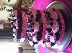 Minnie Mouse birthday cupcakes! :)