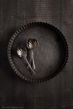 tart pan | bakeware Vintage Baking, Vintage Kitchen, Black Thunder, Food Photography Props, Cooking Photography, Kitchenware, Tableware, Prop Styling, Still Life Photography