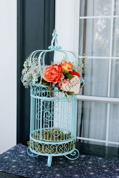 Birdcage Card Holder | Shannon Cunningham Photography https://www.theknot.com/marketplace/shannon-cunningham-photography-austin-tx-245426 | The Plantation House https://www.theknot.com/marketplace/the-plantation-house-pflugerville-tx-348451