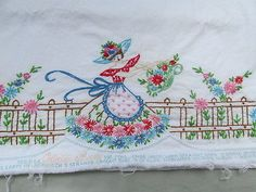 1-Single-Vintage-Embroidered-Pillowcase-SOUTHERN-BELLE-in-Garden-Flowers-T15