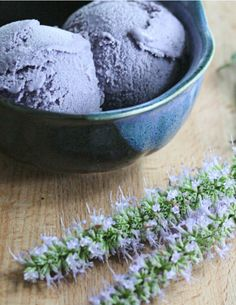 Blueberry Lavender Ice Cream - Blueberry Ice Cream Recipes - House Beautiful Do this with coconut cream, mimic creme +starch Frozen Desserts, Frozen Treats, Gelato, Milk Shakes, Lavender Ice Cream, Blueberry Ice Cream, Lavender Recipes, Mantecaditos, Delicious Desserts