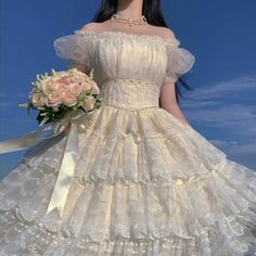 Quince Dresses, Royal Dresses, Ball Dresses, Ball Gowns, Pretty Outfits, Pretty Dresses, Beautiful Dresses, Old Fashion Dresses, Fantasy Gowns