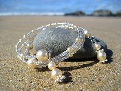 RASEN  Clear Pearl  Memory Wire Bracelet with Glass by beauki