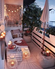 From string lights to solar lights and beyond, we've got the best outdoor lighting ideas here. They're such an easy way to elevate and dress up your backyard, especially if you have a patio area. Small Balcony Design, Small Balcony Decor, Outdoor Balcony, Balcony Decoration, Balcony Hanging Plants, Patio Balcony Ideas, Small Patio Ideas Townhouse, Small Balcony Garden, Small Outdoor Spaces