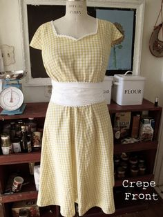 Friday's frock: another Collette Crepe with vintage fall fabric Colette Patterns, Vintage Fall, House Dress, Crepe Dress, Learn To Sew, Country Chic, Diy Clothes, Gingham, Dress Skirt