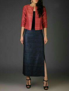 Skirt Design Silk 39 Ideas For 2019 Dress Neck Designs, Kurti Neck Designs, Kurta Designs Women, Kurti Designs Party Wear, Indian Designer Outfits, Designer Dresses, Look Short, Churidar Designs, Mode Chic