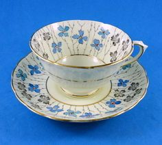 Floral-Chintz-Border-Tuscan-Tea-Cup-and-Saucer-Set