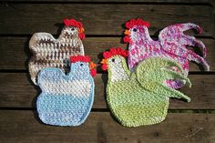 Crochet hen and rooster coaster pattern by WooliesandStitches Crochet Kitchen, Crochet Home, Knit Or Crochet, Crochet Gifts, Crochet Motif, Crochet Patterns, Ravelry Crochet, Sewing Patterns, Crochet Potholders