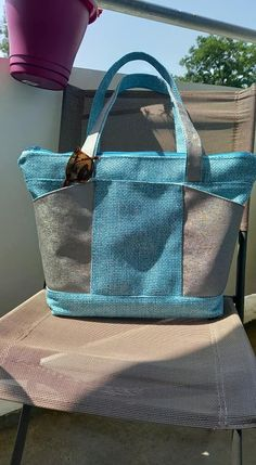 Sac Biguine en simili gris et toile sysal bleue cousu par Aby - Patron Sacôtin