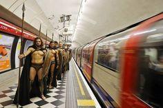 Cosplay 300 Metro Londres - Tuxboard.com