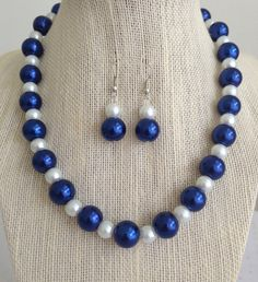 Cobalt Blue Glass Pearl Necklace Set, Blue and White Wedding Jewelry Set, Bridesmaid Gift, Blue Pearl Necklace, Chunky Pearl Necklace Set