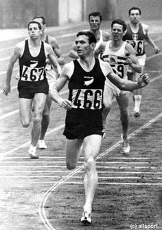 New Zealand middle distance runner. He won 3 Olympic gold medals and set World Records at 800 metres and the mile. His feat in 1964 winning the 800 and 1500 metres double has not been repeated since. Olympic Athletes, Olympic Sports, Olympic Games, Running Workouts, Running Training, Interval Running, Race Training, Marathon Training, Cross Training