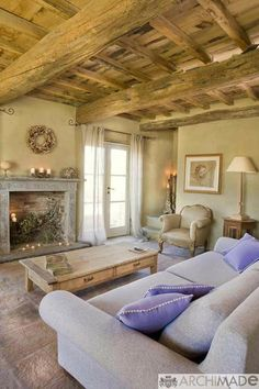 Tuscan style – Mediterranean Home Decor French Country Interiors, French Country Living Room, Cottage Interiors, French Cottage, Italian Living Room, Country House Interior, Cottage Chic, French Decor, French Country Decorating
