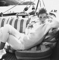 by Richard Avedon: model Suzy Parker Richard Avedon, Great Photographers, Portrait Photographers, Portraits, New York Times, San Antonio, Dorian Leigh, Suzy Parker, Nautical Fashion
