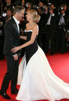 Ryan Reynolds and Blake Lively's cutest PDA moments