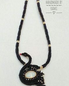 Cigno nero di perline con la collana a Herringbone *_* Per completare la parure ho creato questa collana di grande effetto e fine ... Innamorata ioooo Seguitemi anche su Facebook per vedere le prossime creazioni!  #handmadebyRami #lemaddine #handmade #lemaddineperlinano #creativity #picoftheday #cool #madeinitaly #cign #black #blackswan #swan #beads #bianco #oro #perline #fattoamanoconamore #collana #pendant #beadedjewelry #beadembroidery #elegant