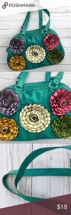 """•Flower Handbag• Telaly cute purse that has big flowers on the front!! The straps do have small signs of wear & price will reflect. Other then that the purse is in excellent condition. The length is 9"""" & width is 15"""" Bags Shoulder Bags"""