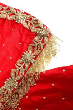 Hand Embroidery Dress, Embroidery Suits Design, Embroidery On Clothes, Couture Embroidery, Embroidery Fashion, Hand Embroidery Designs, Asian Bridal Dresses, Indian Bridal Outfits, Bridal Dupatta