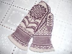 Ravelry: joann19's chrysanthemums mittens