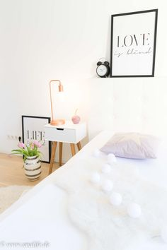 Schlafzimmer Deko U0026 Was Gehört In Schlafzimmer Und Was Nicht? #schlafzimmer  #deko #