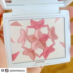 #Repost @jazlanbeauty with @repostapp  Some are just born to be pretty. @diormakeup from #diorsnow Blush 'N' Bloom face and cheeks powder. . . . . . . #2017 #diorbeauty #diorlcosmetics #dior #diormakeup  #cosmetics #beauty #makeup #instabeauty #instablog #bbloggers #bblogger #bblog #limitededition #nederland #belgianblogger #belgie #iciparisxl #iciparis #iciparisxlbe #spring2017collection #spring2017 #spring #asianexclusive