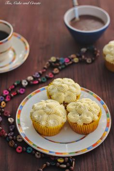 Tea, Cake & Create: Double Caramel and Banana Cupcakes