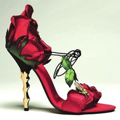 rose shoe. Proof that eccentricity can be dainty and stunning.