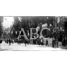 UN MOMENTO DEL DESFILE CELEBRADO EL 18 DE JULIO DE 1939, EN MURCIA, CON MOTIVO DEL ANIVERSARIO DEL ALZAMIENTO NACIONAL