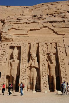 ✮ Temple of Hathor and Nefertari, Abu Simbel, Egypt (I never thought to go see Egypt, but this is just unreal!)