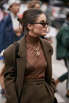 Attendees at Milan Fashion Week Spring 2020 - Street FashionYou can find Street fashion and more on our website.Attendees at Milan Fashion Week Spring 2020 - Street Fashion Best Street Style, Street Style Outfits, Spring Street Style, Cool Street Fashion, Fashion Jobs, Fashion 2020, Look Fashion, Fashion Outfits, Milan Fashion
