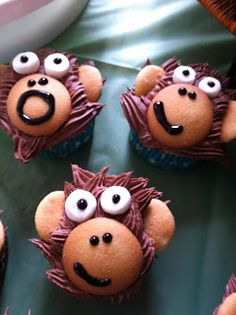 Monkey Cupcakes so easy and cute