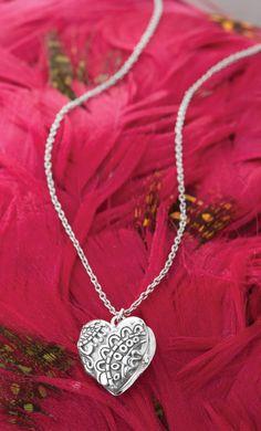 Florence Locket Necklace  N2719  https://mysilpada.com/sites/linda.lauer/public/content/jewelry/index.jsf