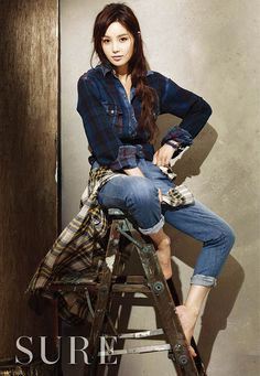 Love the shirt tied around the waist!  Nam Gyu Ri Is Tomboy Chic In Plaid For SURE   Couch Kimchi